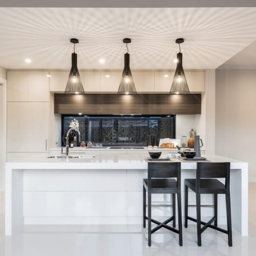 High end fixtures and fittings and high polished finishes really give this kitchen a contemporary feel.